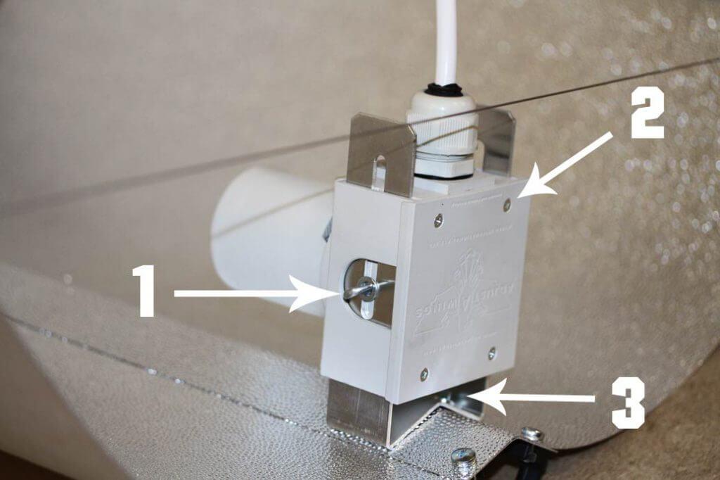 fassung montiert Adjust-A-Wing Reflektor
